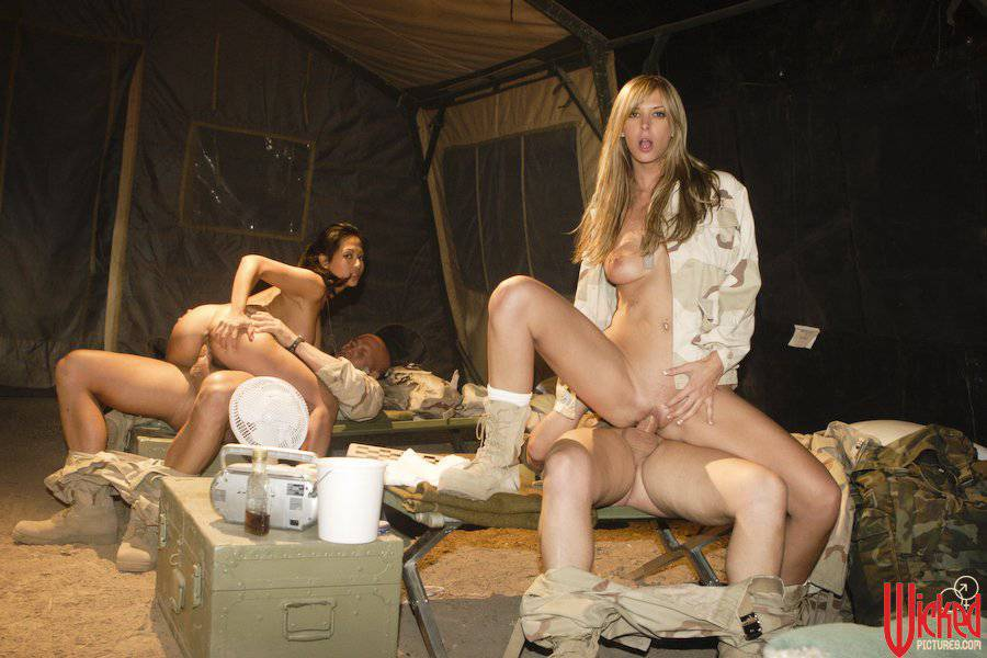 ماذا يحصل في اخر الليل بالمعسكر