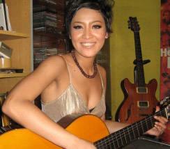 Ina Dewi Dew