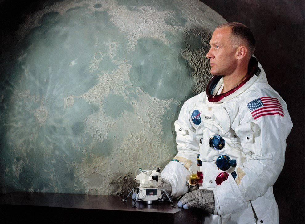 Misja Apollo 11 - lądowanie człowieka na Księżycu 10