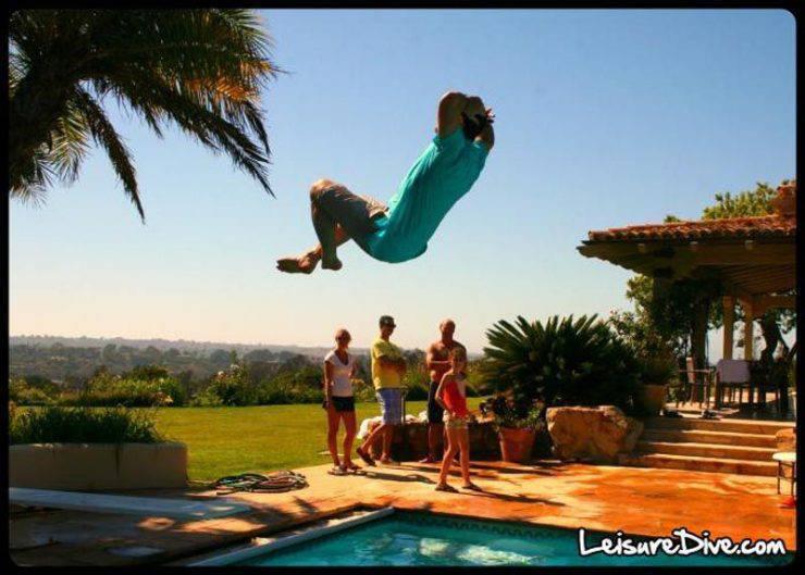 Zabawne zdjęcia przy skokach do basenu 12