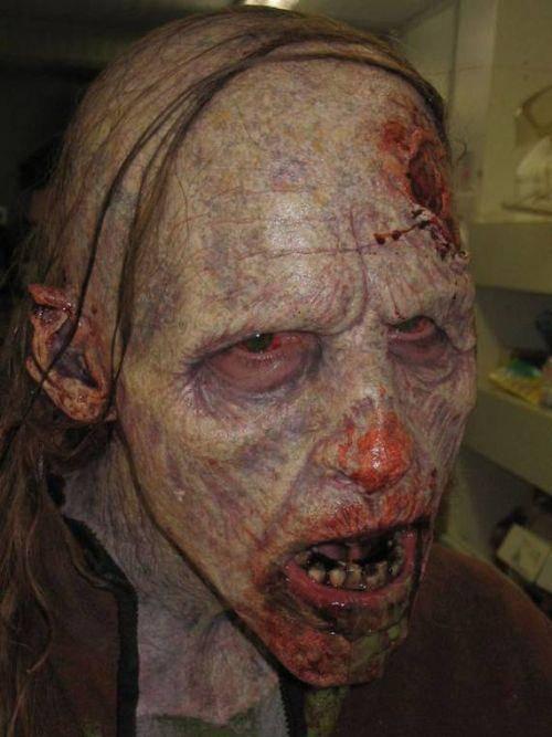 Charakteryzacja na zombie 12
