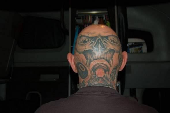 Z serii dziwne tatuaże: oczy dookoła głowy 21