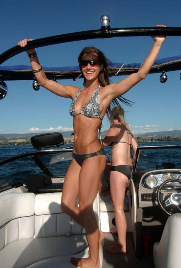 Dziewczyny w bikini #3 7