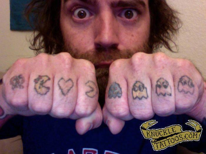 Tatuaże na kostkach 54