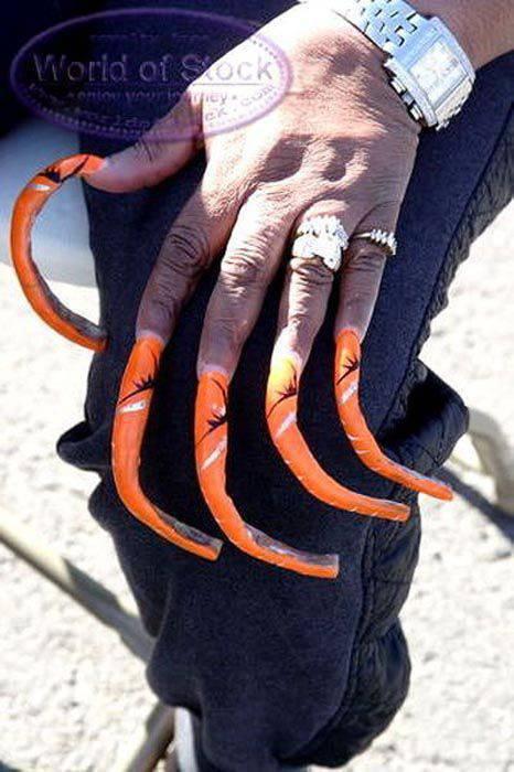 Obrzydliwie długie paznokcie 14