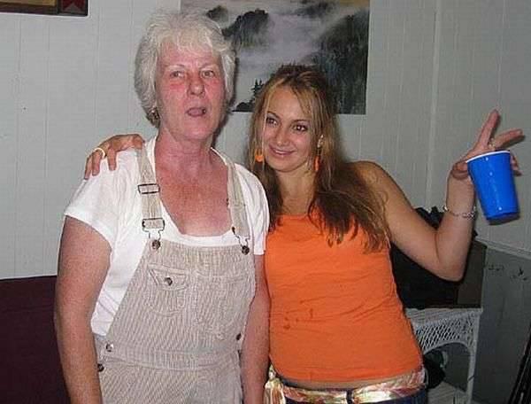 Imprezowa babcia 11