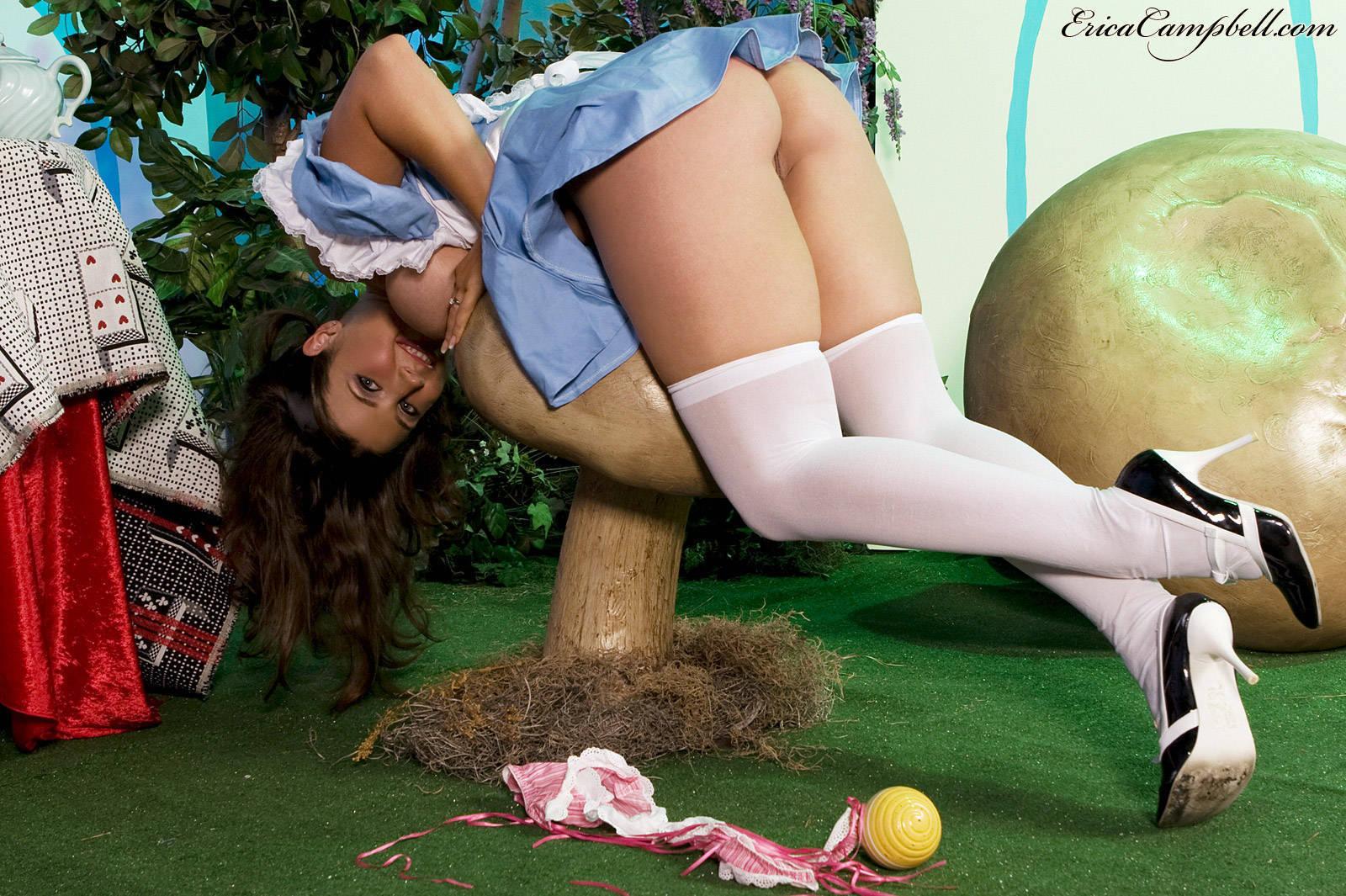 Сексуальные приключения алисы в стране чудес 28 фотография