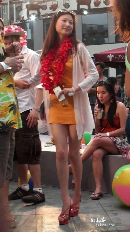 身材高挑的黄色包臀裙肉丝美腿少妇(二)
