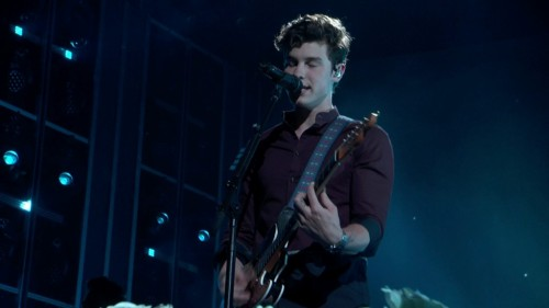 Shawn Mendes-In My Blood (2018 Billboard Music Awards)-720p-x264-2018-SRPx