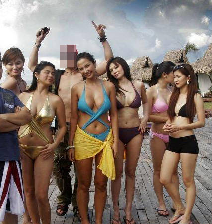 Photo   Artis on Photo Bikini   Moment   Moment Sexy Artis Indonesia Di Pantai   This
