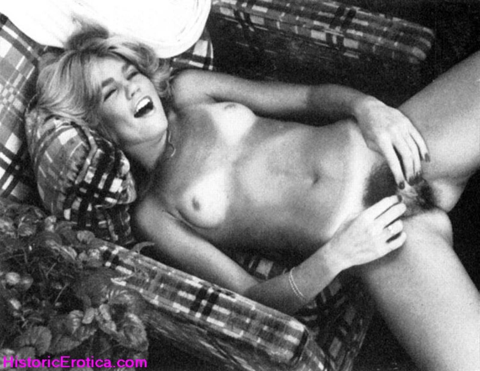 Секс с мамой ретро порно 11 фотография