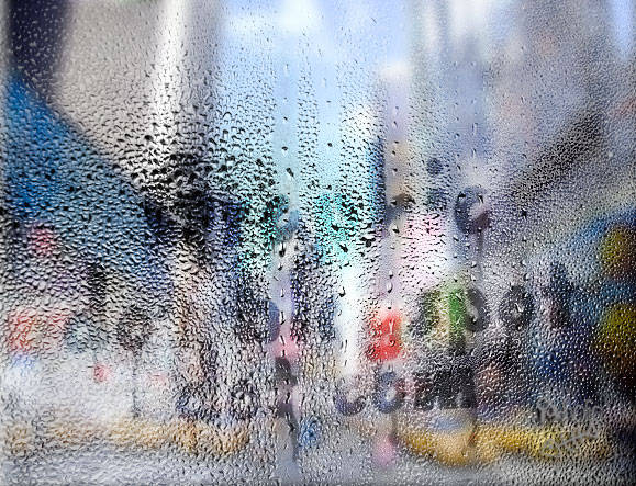 Text on Wet Sweaty Window