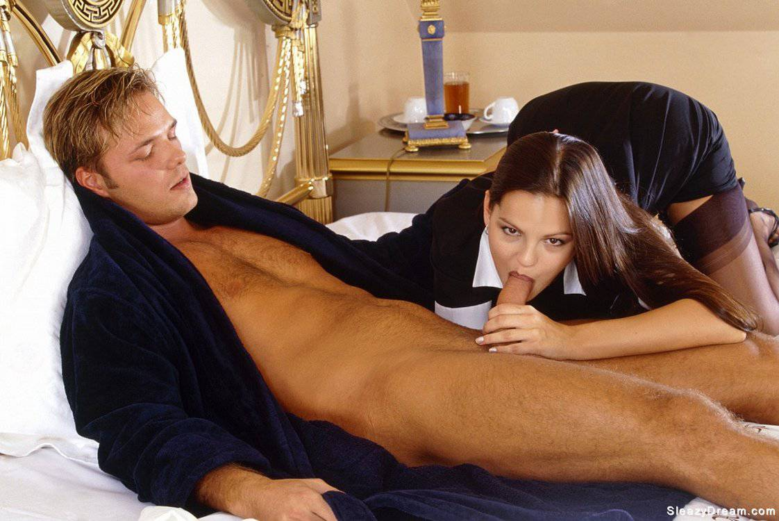 seks-po-vizovu-paren-moskva