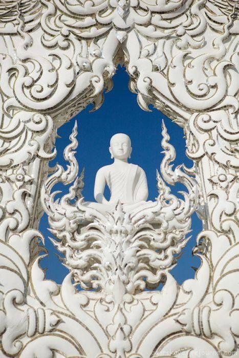 Biała świątynia Wat Rong Khun 16