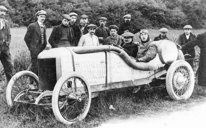 Pierwsze wyścigi samochodowe 50