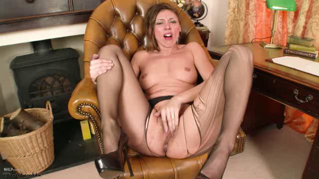 Pantyhosed4U 18 04 11 French Chloe Sexy In My Work XXX