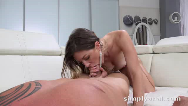 SimplyAnal 18 07 12 Paulina Soul Hungry For Anal XXX