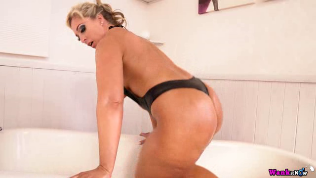 WankItNow 17 10 12 Kellie Obrian Oiled Tits And Ass XXX
