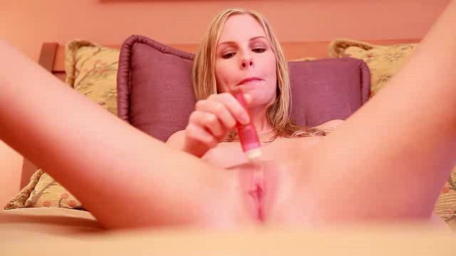 GirlFap E15 Aimee Addison Bedtime Fun XXX