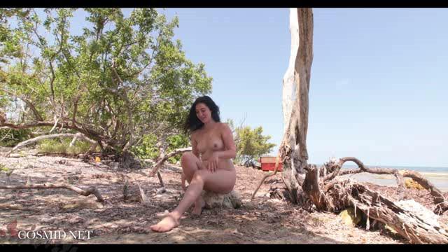 Cosmid 19 05 24 Ashley Burke Strips On The Beach XXX
